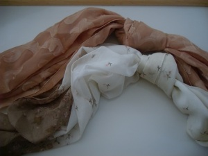 2 Ladies fashion scarves. Lot 2