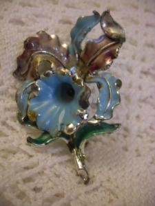 Vintage Brooch Blue Daffodil